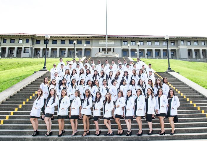 Foto promoción Medicina Universidad Latina,