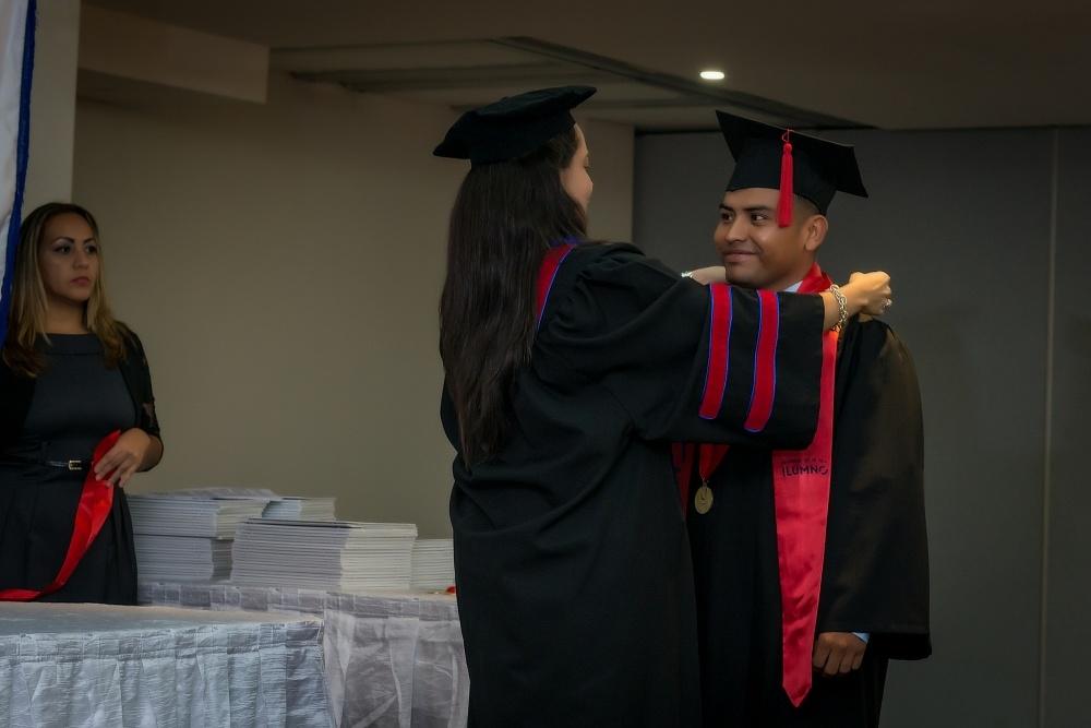 Cobertura: Ceremonia de Graduación de la Universidad del Istmo - Sede Santiago,