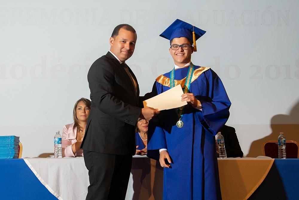 Cobertura: Graduación del Instituto Atenea 2018 - Diploma,
